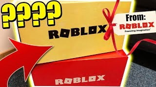 ROBLOX SEND ME A MYSTERY BOX!? «VOUS AVEZ BELIEVE WHATS INSIDE!