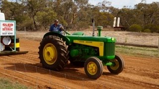 Vintage Tractor Pull - Mallee 2015