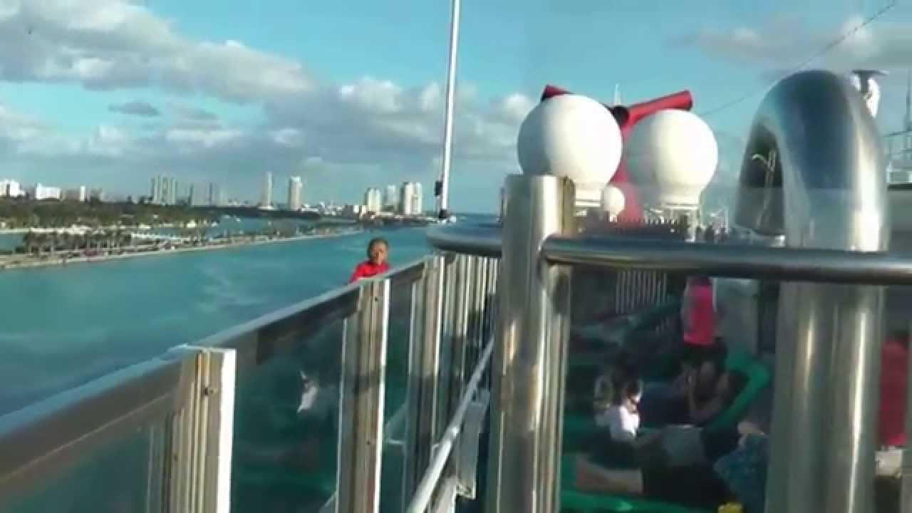 巨大クルーズ船のマイアミ港出入港風景 Doovi
