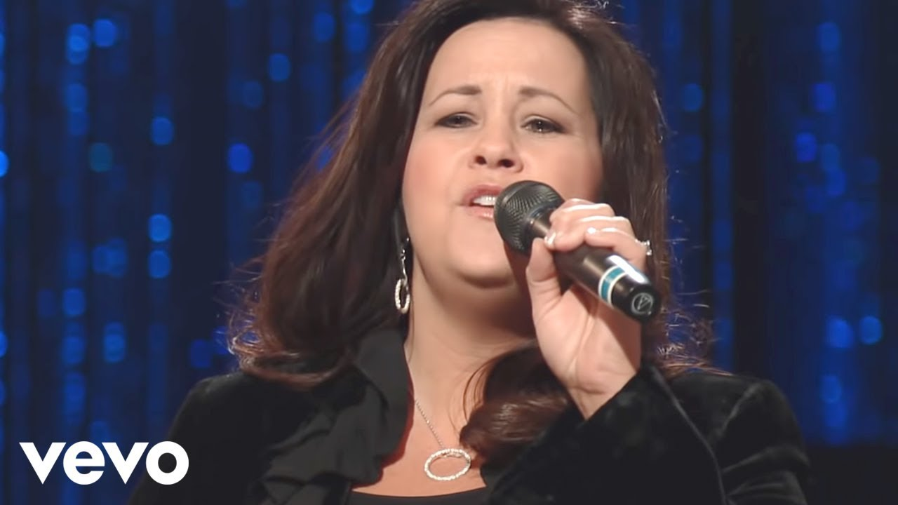 Ladye Love Smith - Burdens Are Lifted At Calvary [Live]