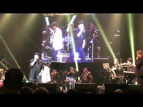 Aaj Hamare Dil Mein - Kumar Sanu live