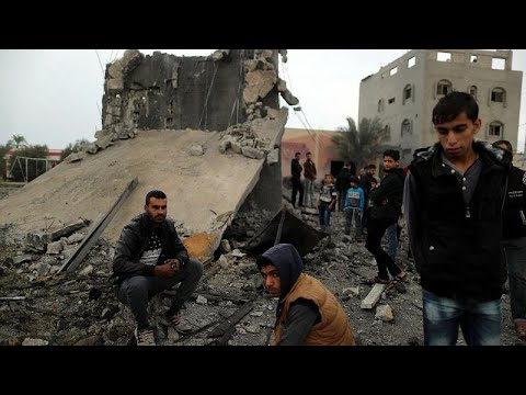 Gaza, nuova escalation di violenza; pioggia di razzzi e raid aerei