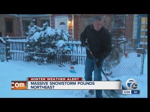 Massive snowstorm pounds northeast