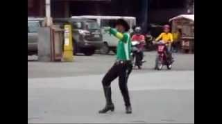 Dancing Traffic Enforcer in Tagum City