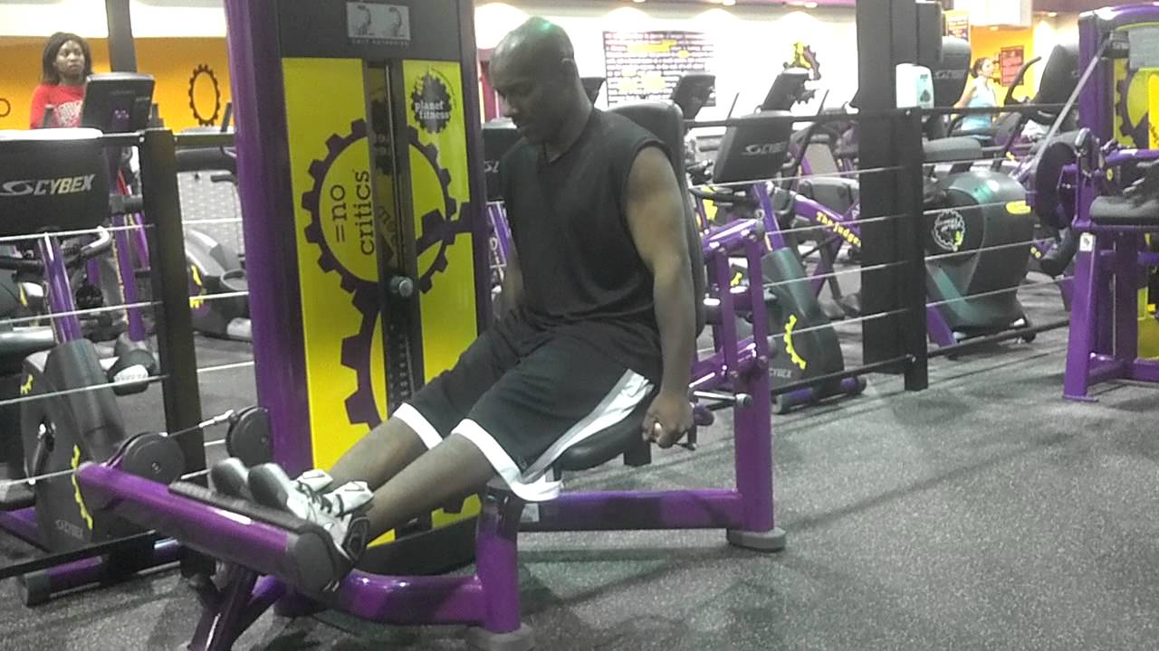Leg day at planet fitness - YouTube