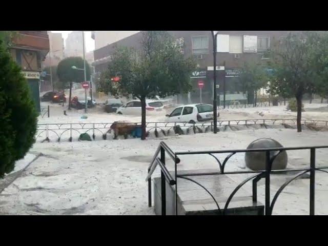 Impactantes imágenes de una tormenta y granizo que azotó a Madrid