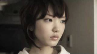 コバヤシヒロシ3rdアルバム『幸せのクスリ屋さん』からの一曲です。作詞作曲:小林宏至、編曲:深澤秀行、ミックス:石塚良一、PV出演は下田美...