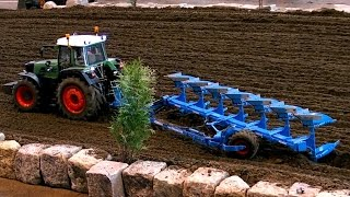 RC SCALE FARMING MACHINES IN ACTION AMAZING AND GREAT WORK / Faszination Modellbau 2015