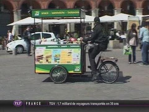 Resto Pouss' : Un Fast food en triporteur ! (Toulouse)
