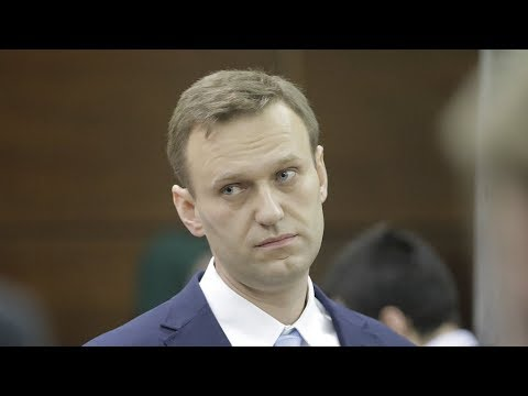 Russian opposition campaigner Alexei Navalny calls for election boycott