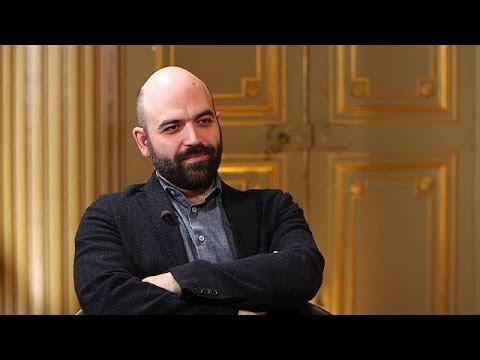 """""""C'è del marcio in nord Europa!"""": lo scrittore Saviano parla a Euronews - global conversation"""