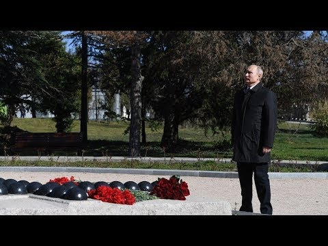 بوتين يضع الزهور عند نصب تذكاري في ذكرى فك حصار لينينغراد