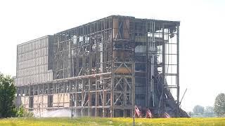 Neerhalen oostelijke gevel eenheid HC4 IJsselcentrale, Zwolle