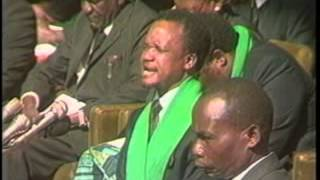 Chiluba praying during funeral of the Zambia National team in 1993 thumbnail