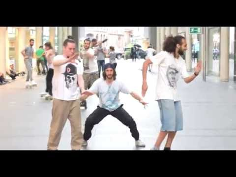 Marché Saint Honoré street freestyle dance longboard quad