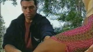 Fiorella y Andrés... Quieres ponerme eso, o verme las piernas?