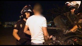 Policías en Acción - Pelea de yonkis