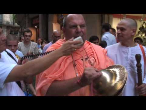 Jayapataka Swami - Harinama in Barcelona 2007 - Part 2/4