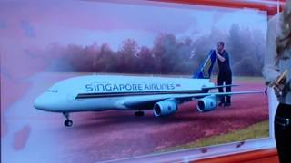 New Video Material biggest R/C A-380 Airbus Singapore Airlines 2013 Model Airshow Switzerland