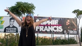 PLAYING WITH AOKI 🔊 & MY FIRST BILLBOARD! 🍰😋 - Sophie Francis Vlog #5