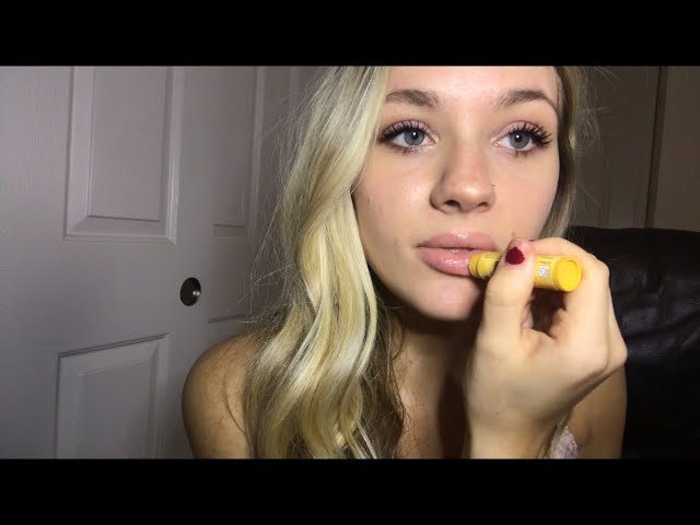 ASMR [APPLYING LIPGLOSS] W/ MOUTH SOUNDS