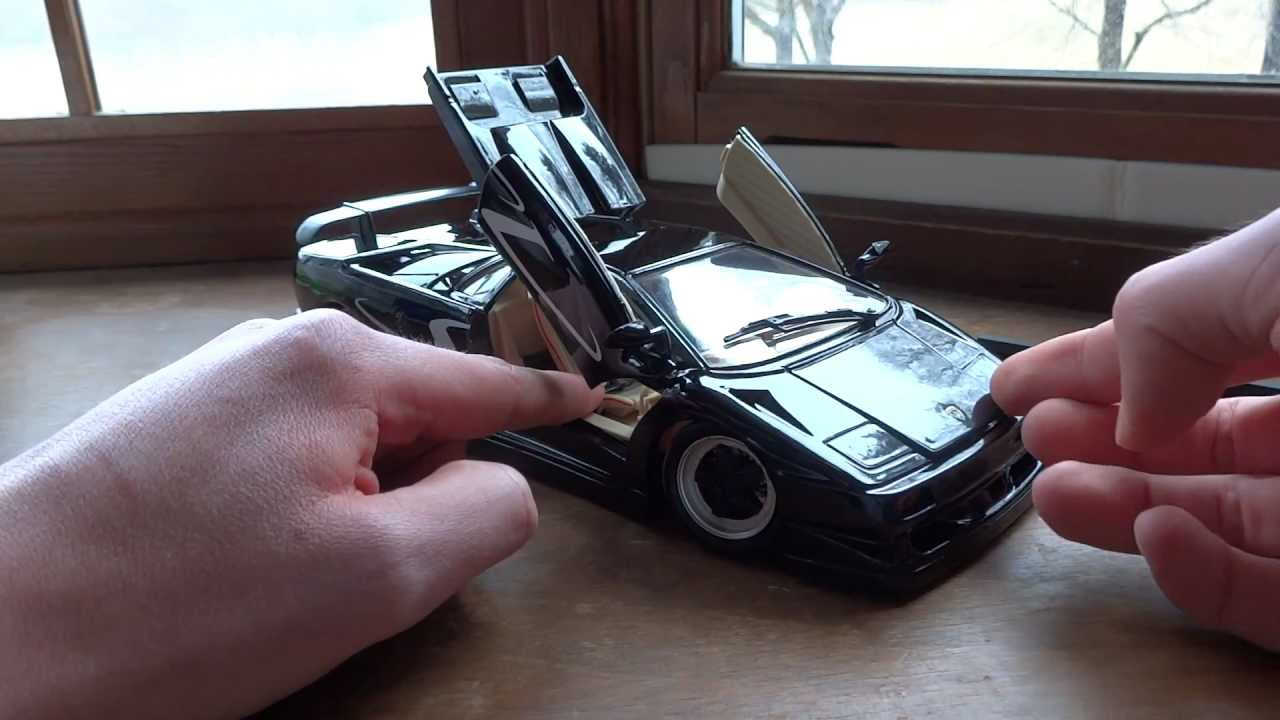 Review Of 1 18 Lamborghini Diablo Sv By Maisto Youtube