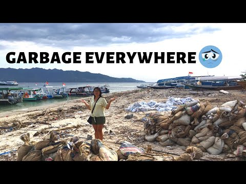 Gili Air Lombok Indonesia // Beach clean-up time!
