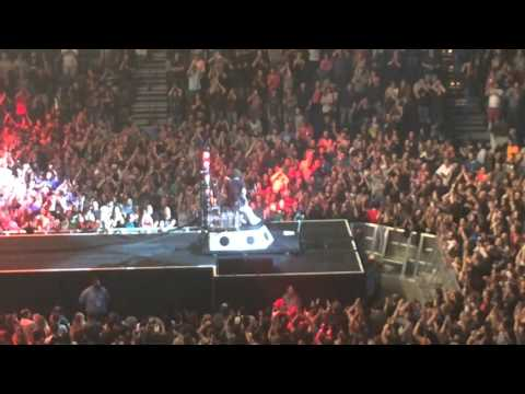 Foo Fighters - My Hero -  Live in Oklahoma City @ Chesapeake Energy Arena 9/29/2015
