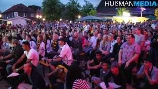 Honderden Duitsers Keken Gespannen Naar Duitsland   Argentinie   13 Juli 2014