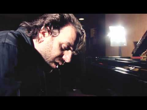 Chilly Gonzales 'Something About Us' (Daft Punk cover) // BeatCast OffBeat Session