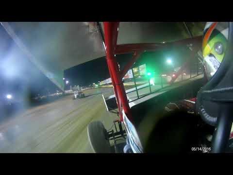 Matt Foos Fremont Speedway feature 2 5 5 18
