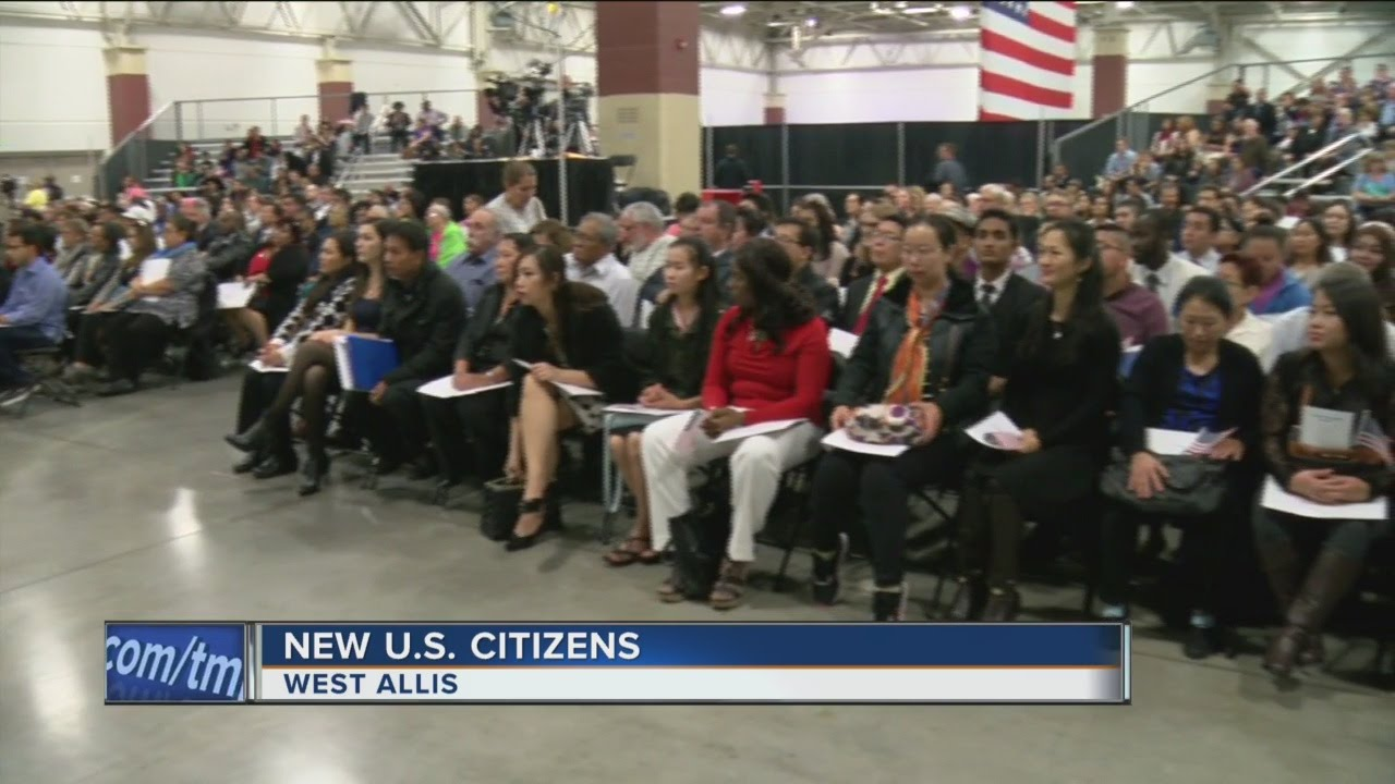 New citizens welcomed at naturalization ceremony