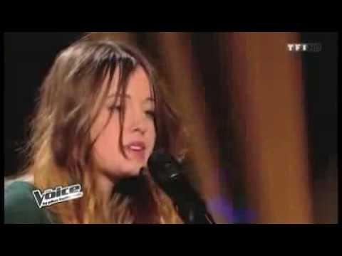 Красивая девушка поет. Голос Франция - русские во Франции