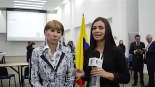 Ministra de Trabajo habla con Acoset antes de su intervención en el Congreso Nacional