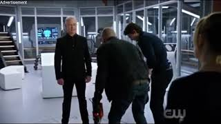 Legends of Tomorrow 3x17/Damien Darhk talks to the Legends/Wally and Nate talks to Amaya