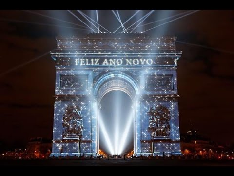 2015 paris new years eve fireworks paris france fireworks show happy new year 2015
