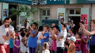 Gambar cover Festival des Voix de la Méditerranée 2013 - Plongeons Poétiques et Rythmiques, Le film -