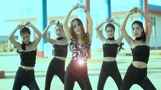 Yana Lor - Khib Khib Thiaj Yog Nas Ej (OFFICIAL MUSIC VIDEO)  2018