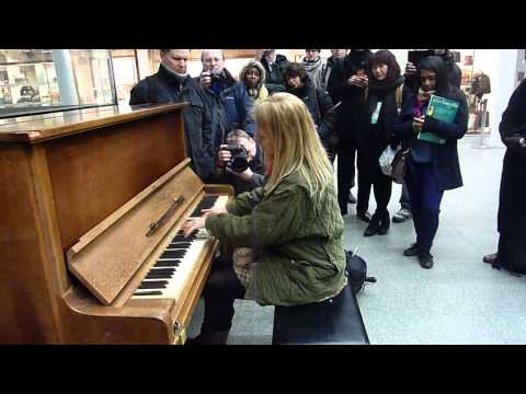 Valentina Lisitsa St Pancras International - Rachmaninov Prelude in G minor