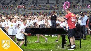 Weltrekord im Tischtennis-Rundlauf und SingPong in Düsseldorf