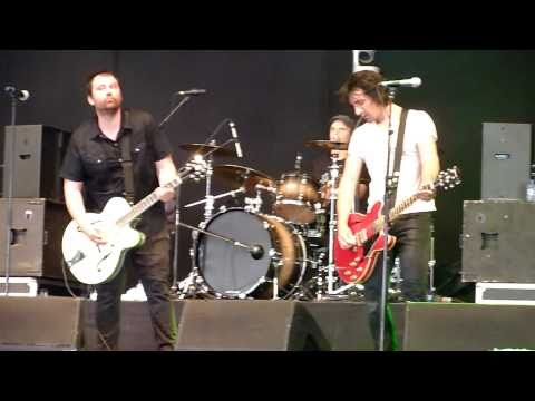 You're The One & Bouncing Off The Walls, by Sugarcult (@ Groezrock, 2011)