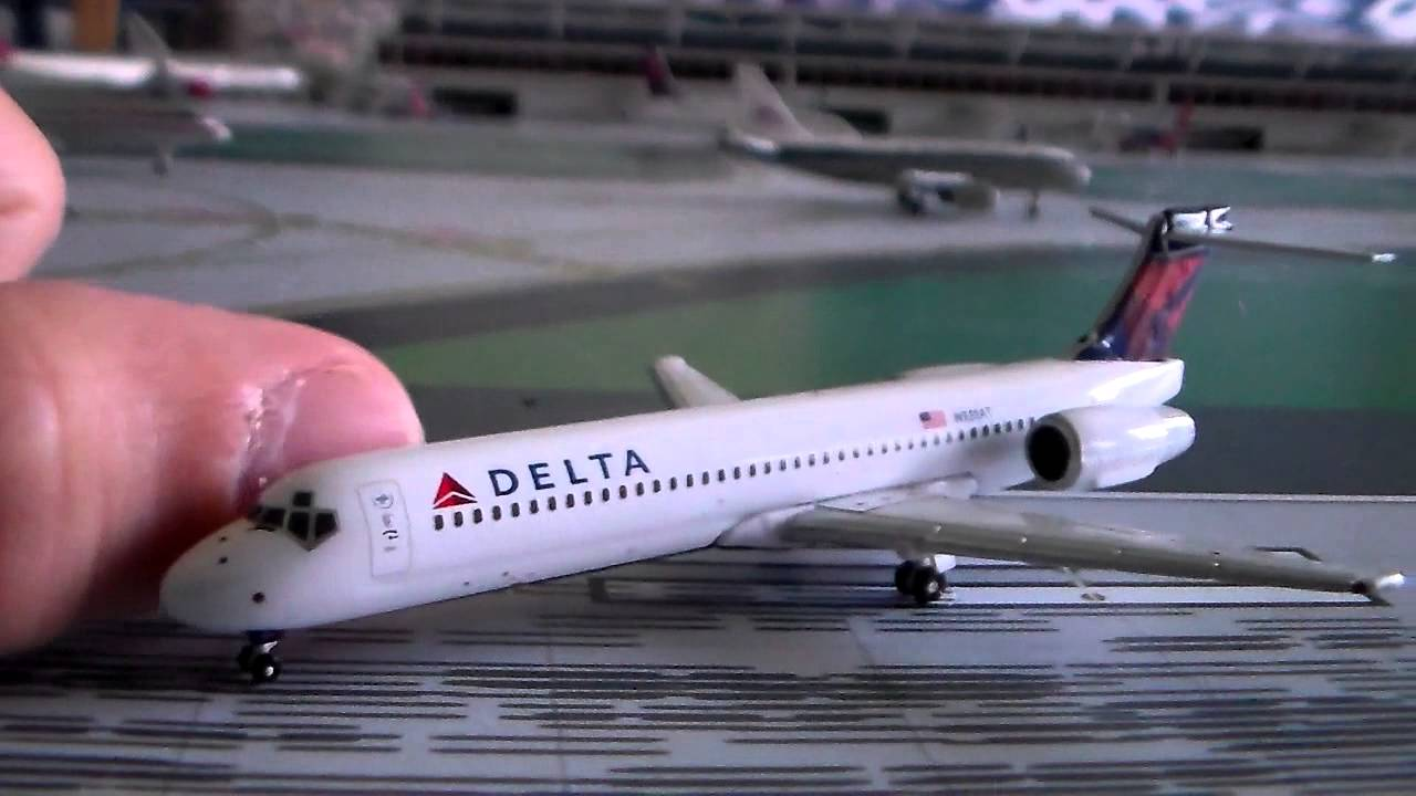 gemini jets 1 400 delta 717 review youtube