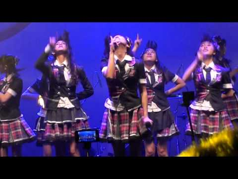 [FANCAM] JKT48 Team T - Iiwake Maybe at Sharp Matsuri 13122015