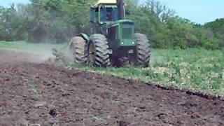 John Deere 7520 Plowing Part 1
