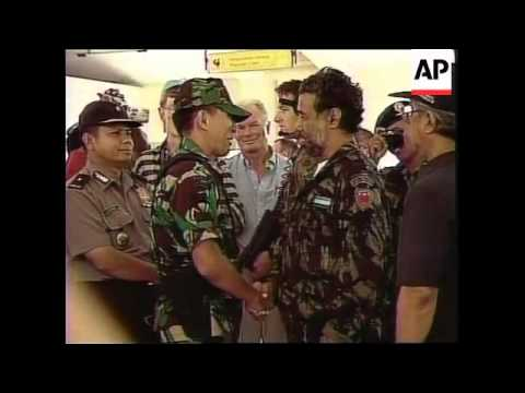 EAST TIMOR: GUSMAO BIDS FAREWELL TO INDONESIAN TROOPS (2)