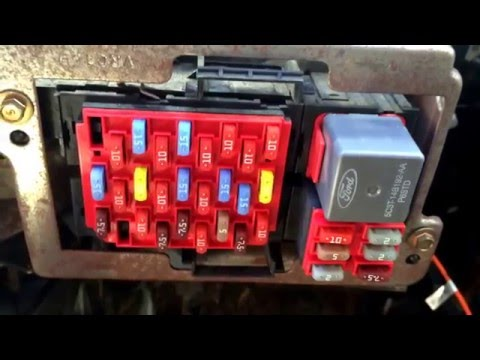 2008 Ford Crown Victoria Fuse Box Location - YouTubeYouTube