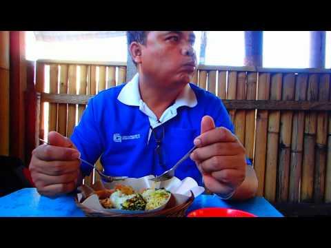 ชิมอาหารพื้นเมือง บาหลี ประเทศอินโดนีเซีย