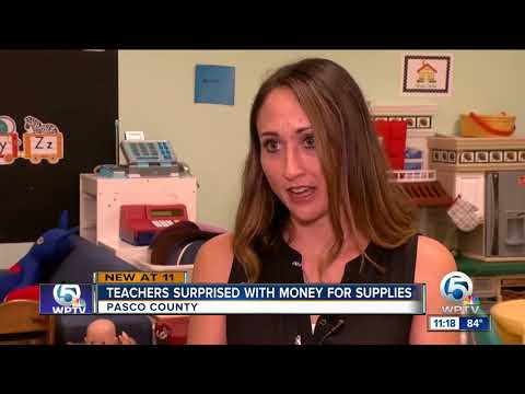 Teachers at a Pasco elementary school get $100 from generous donor