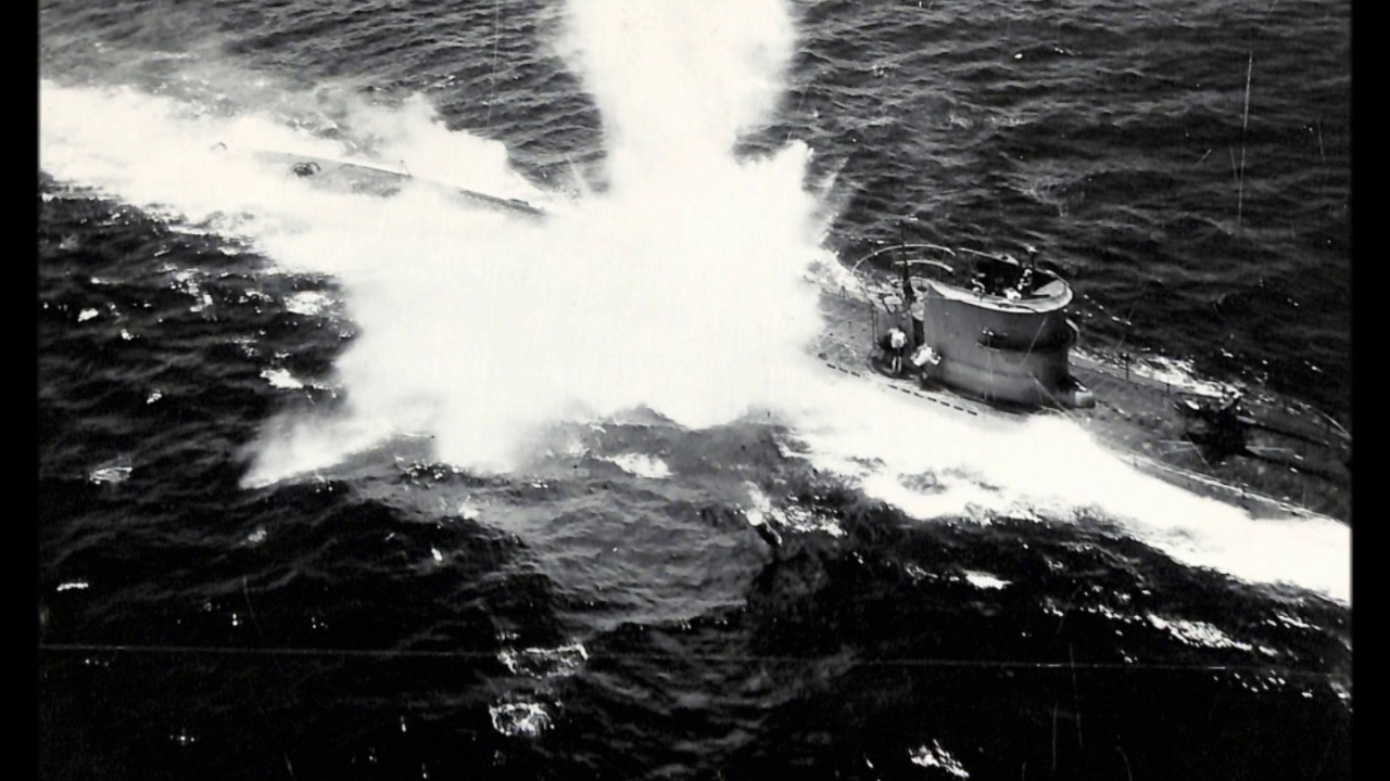 Rare Photos of the Sinking of German U-boat U-118 During ...