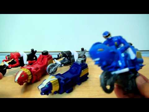 Power Rangers MEGAFORCE Sky,Sea, Red,Black,Blue Lion Cycles Toy Review.